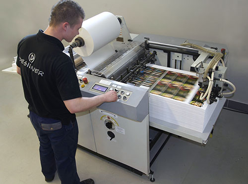 Laminowanie papieru folią